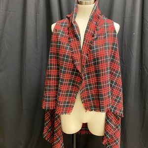 Sleeveless cover-up red and black plaid.